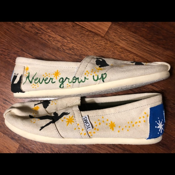 Handpainted Original Peter Pan TOMS Shoes 7.5
